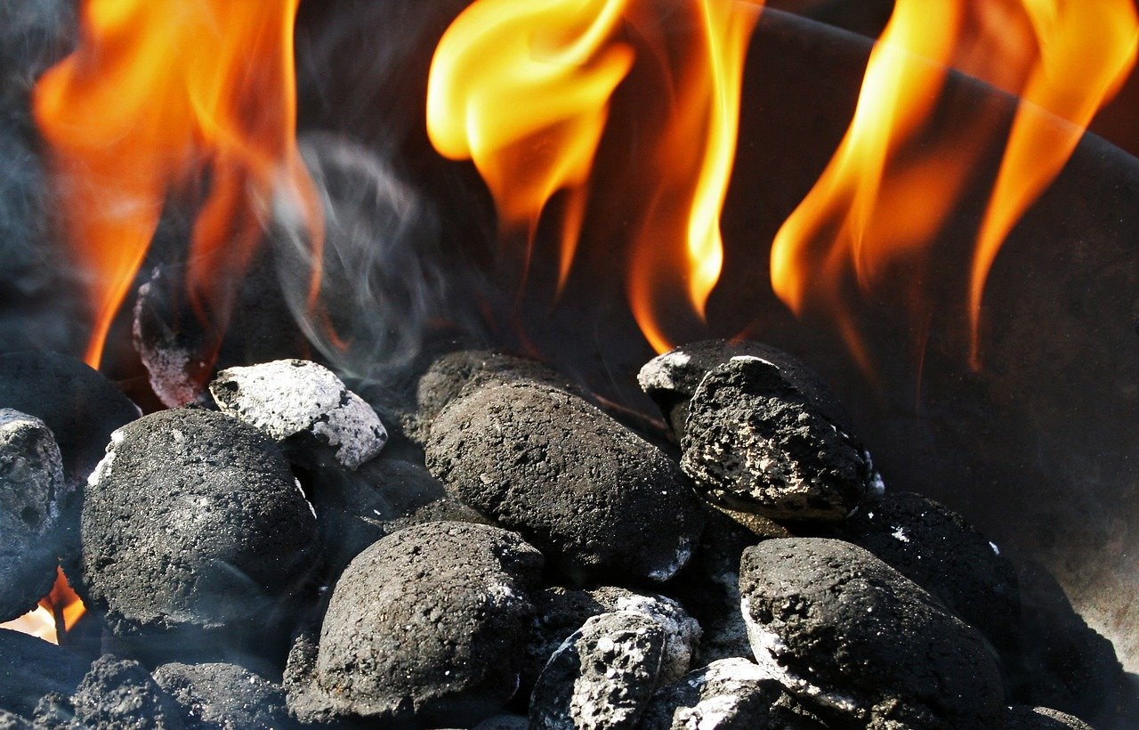 charcoal-fire-1796300_1280